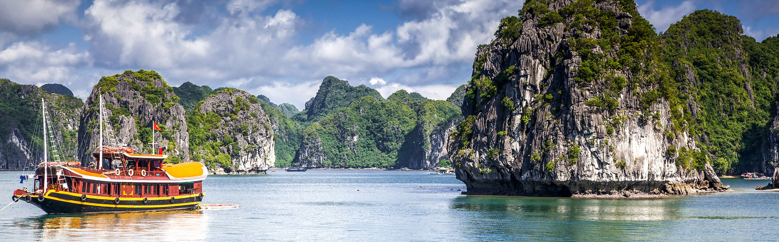 5 Things to Know When Choosing Your Halong Bay Cruise in Vietnam