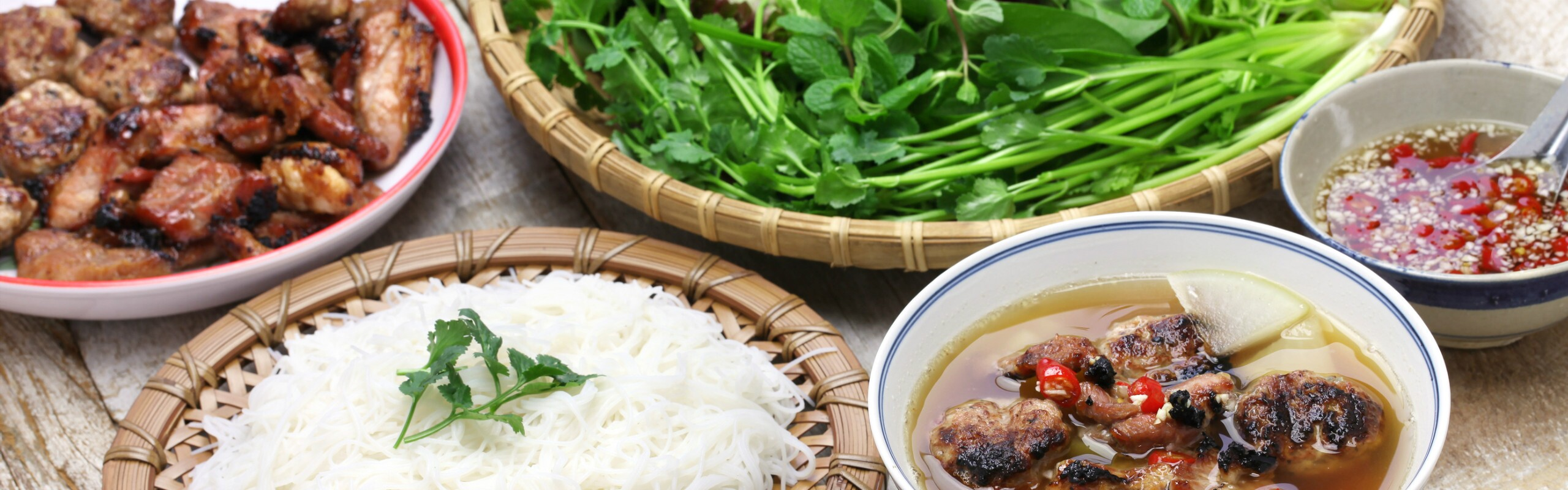 Eating and Drinking in Vietnam - Dining Etiquette