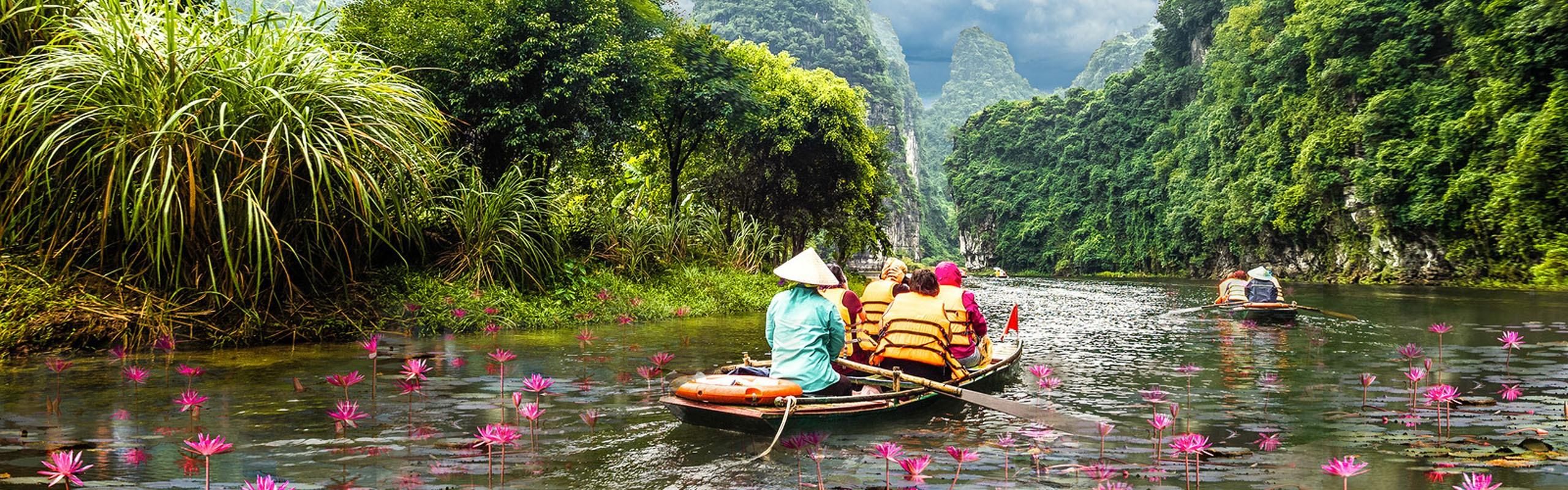 How to Enter Vietnam - International Flights into Vietnam