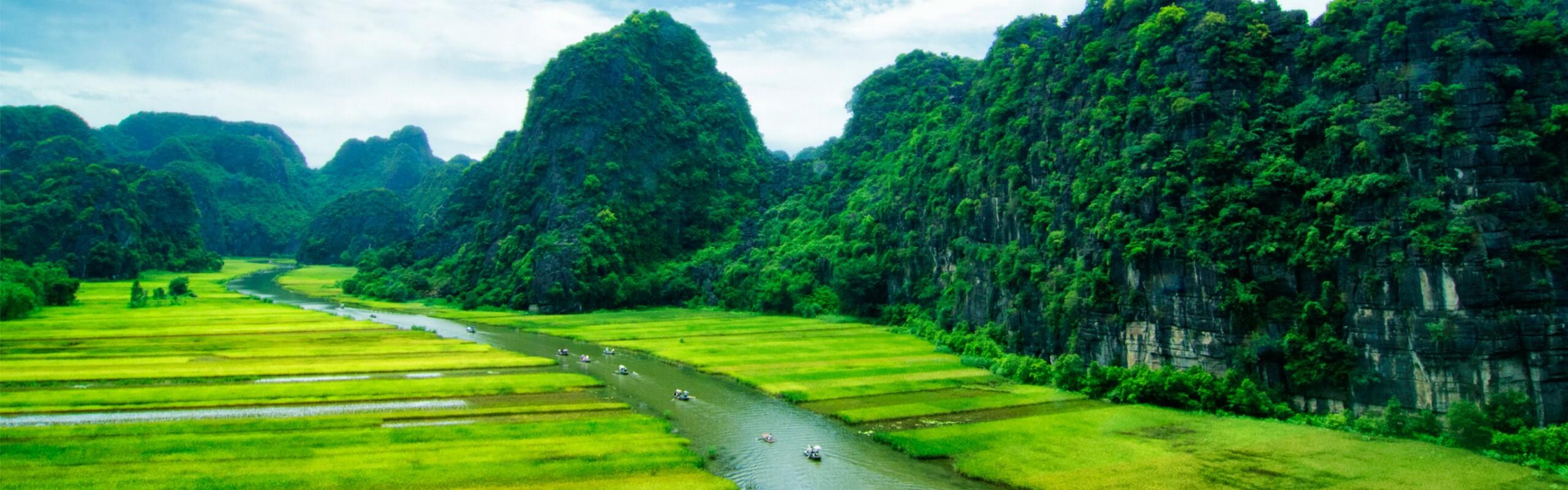Ninh Binh Travel Guide: Weather, Tours, Transport